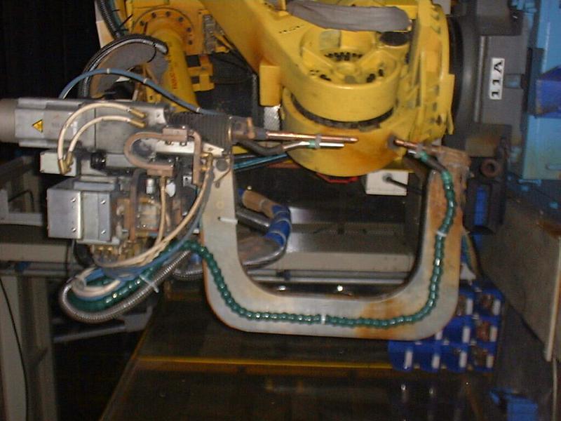电阻焊吸尘作业